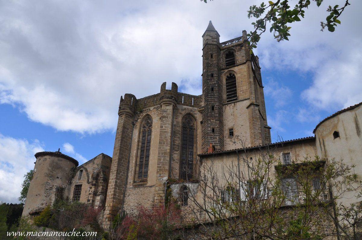 L'église prieurale  est une reconstruction du XVème siècle.