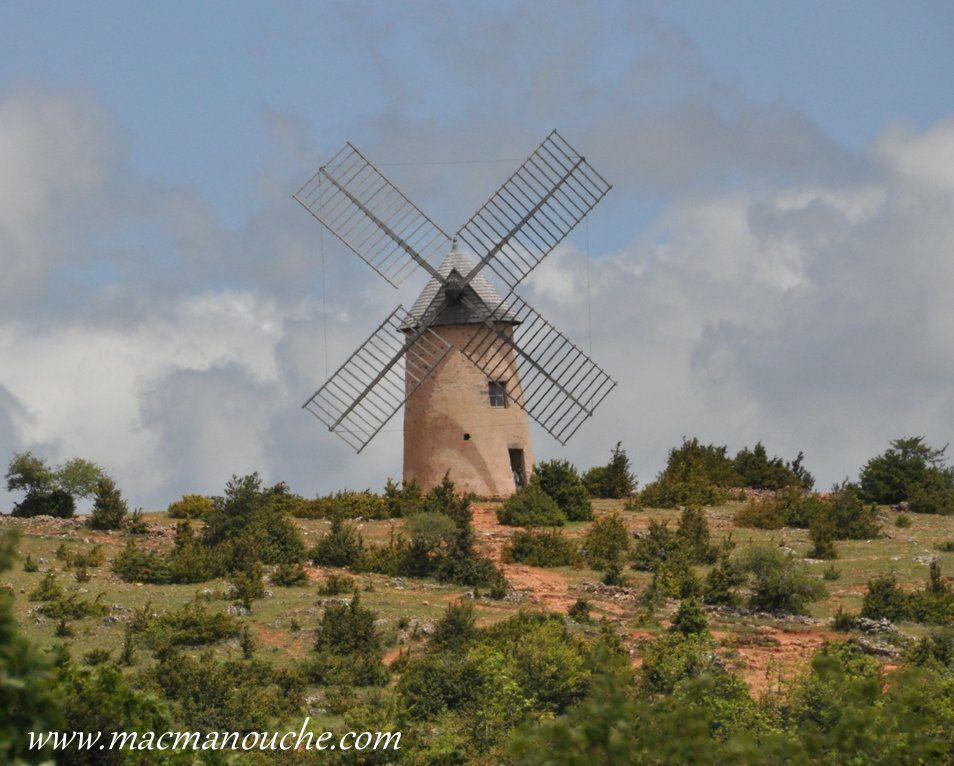 ( ''15''  sur le plan)    Moulin du Rédounel (Accès par la Portanelle)
