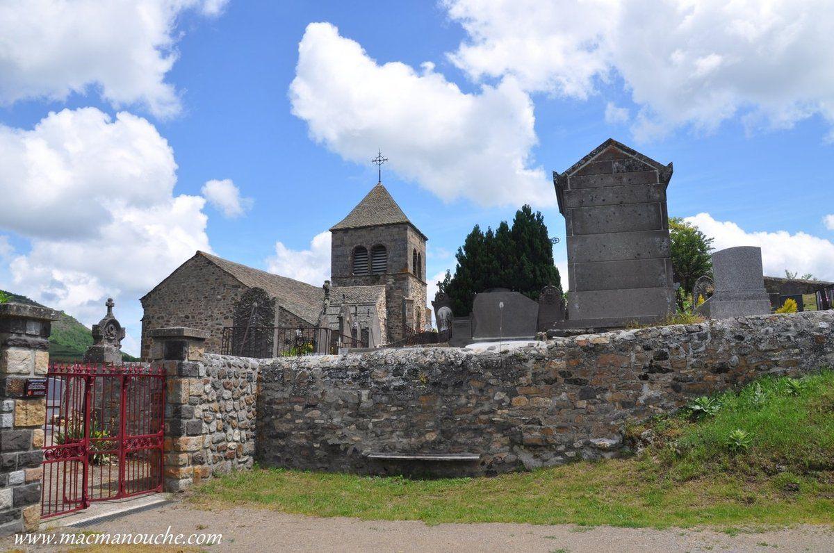 Nous voici arrivés sur cet ancien site fortifié du Chastel.