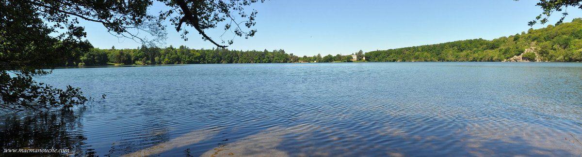 Le Gour de Tazenat est un lac de cratère ( ou maar.) situé à un peu plus de 600 mètres d'altitude, sur la commune de Charbonnières-les-Vieilles (63410).
