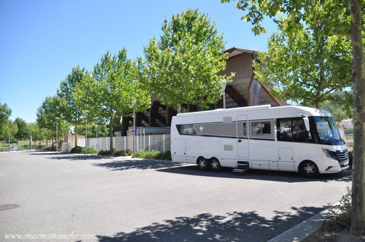 Ensuite, on se rend à Saint-Paul-Trois-Châteaux pour le reps de midi...