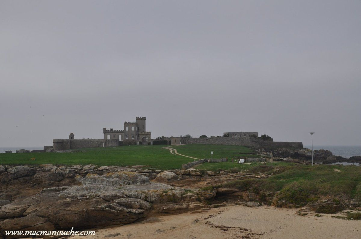 Puis, on part pour une visite de cette pointe et de ce château … == > …