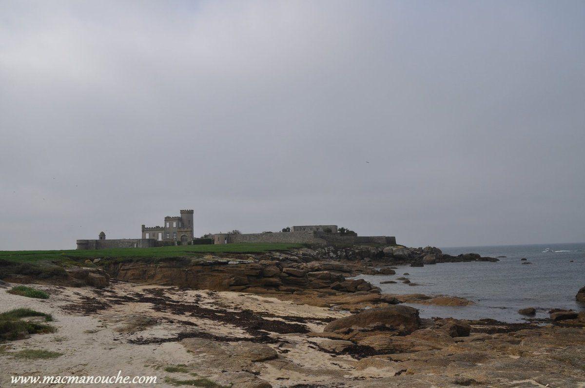 La villa-château, côté Ouest