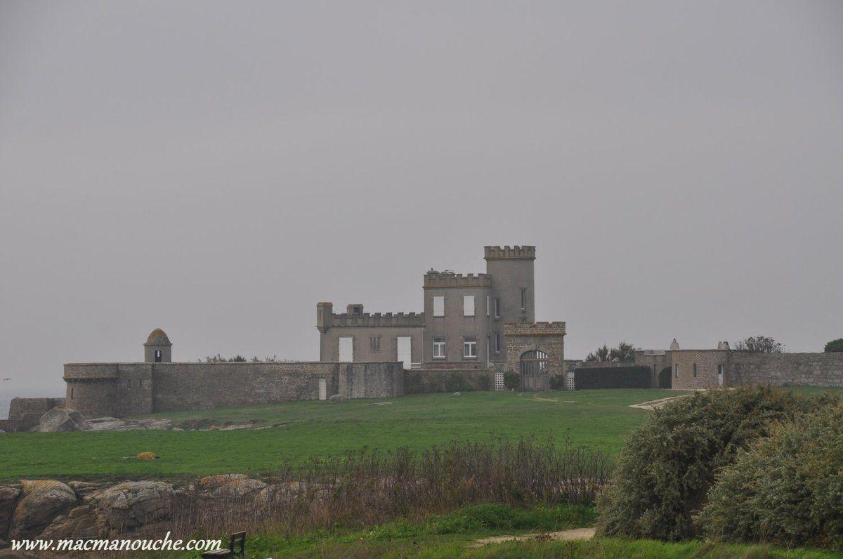 … == > … Serait-ce un château écossais ?