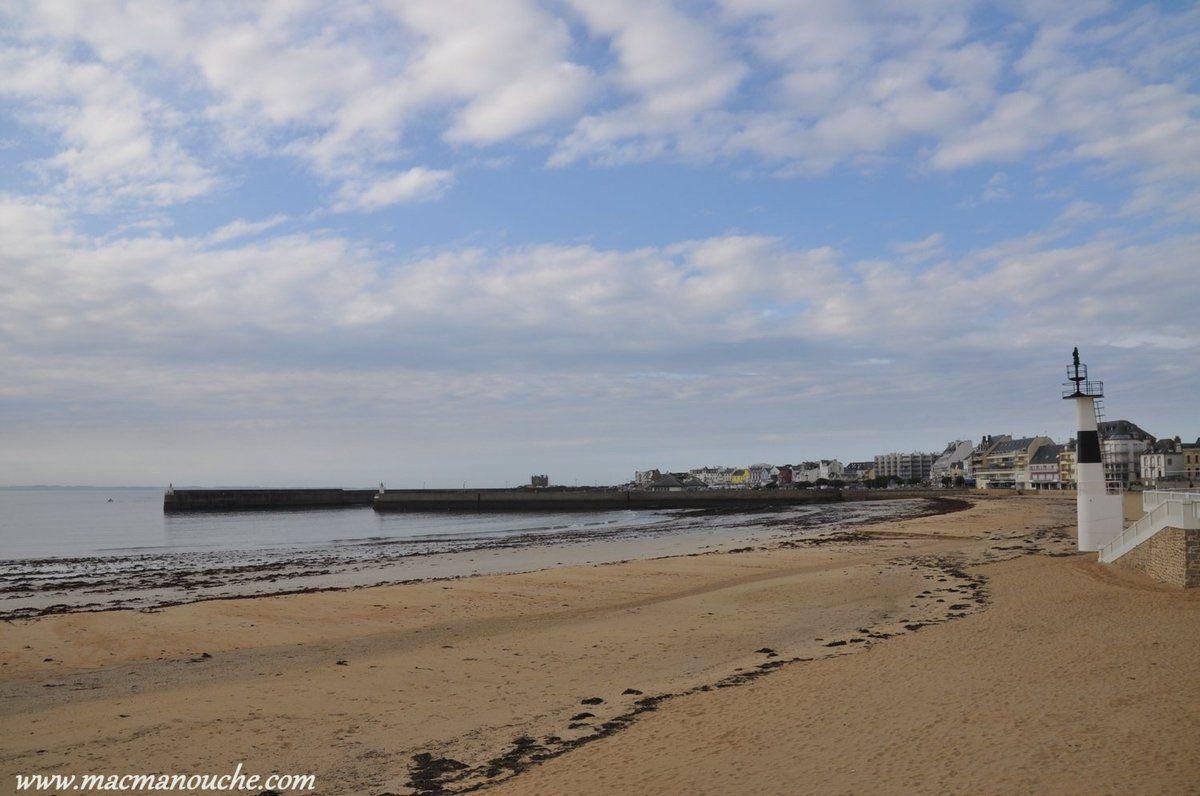 Et au bout de la plage, le Port Haliguen.