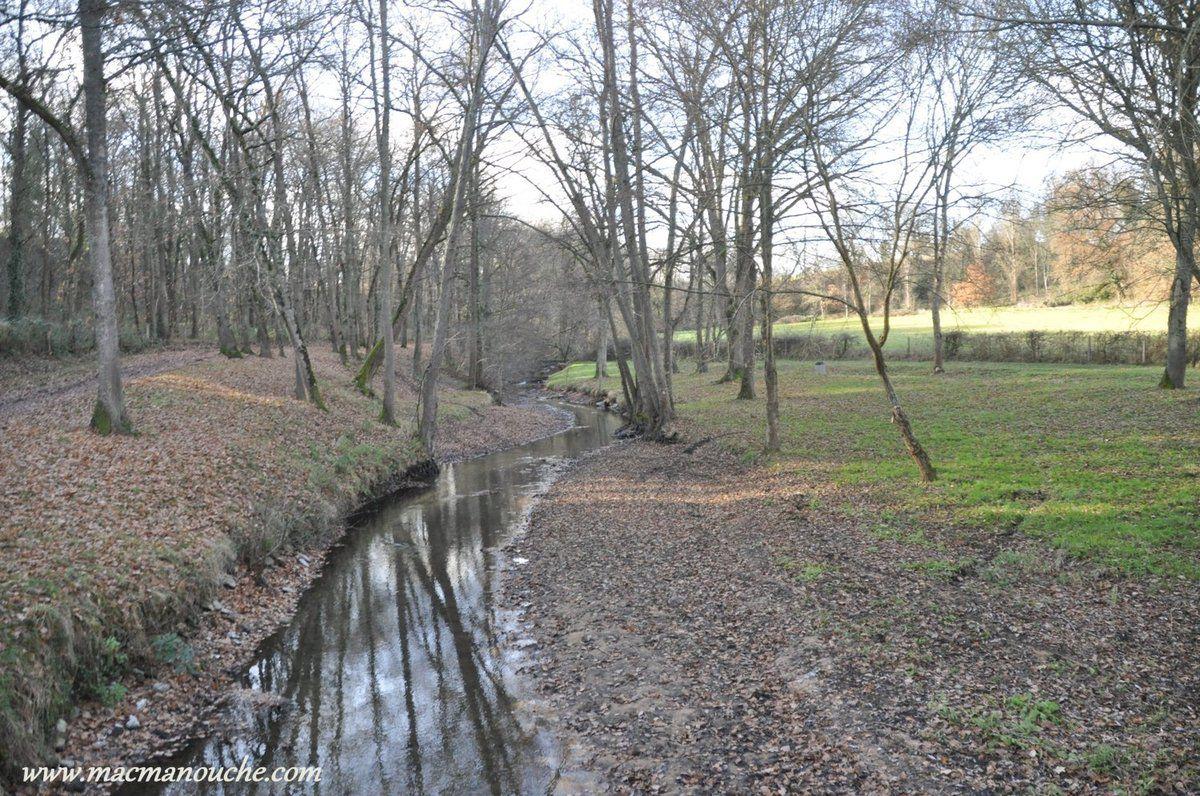 Le ruisseau de la Vernoëlle … == > …