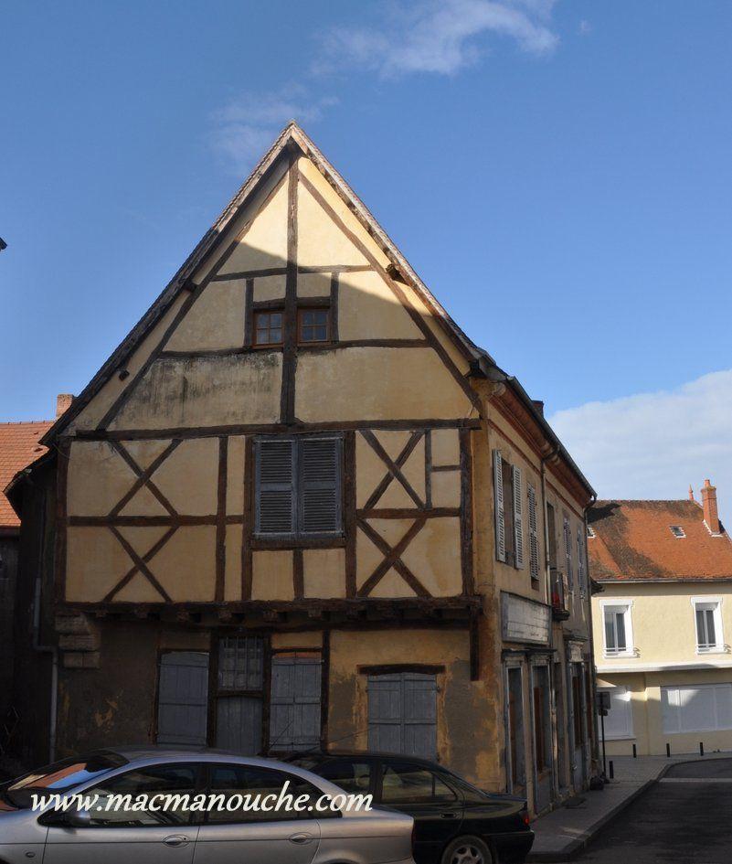 Du XIIIè au XVIè siècle, cet atelier frappait la monnaie royale.