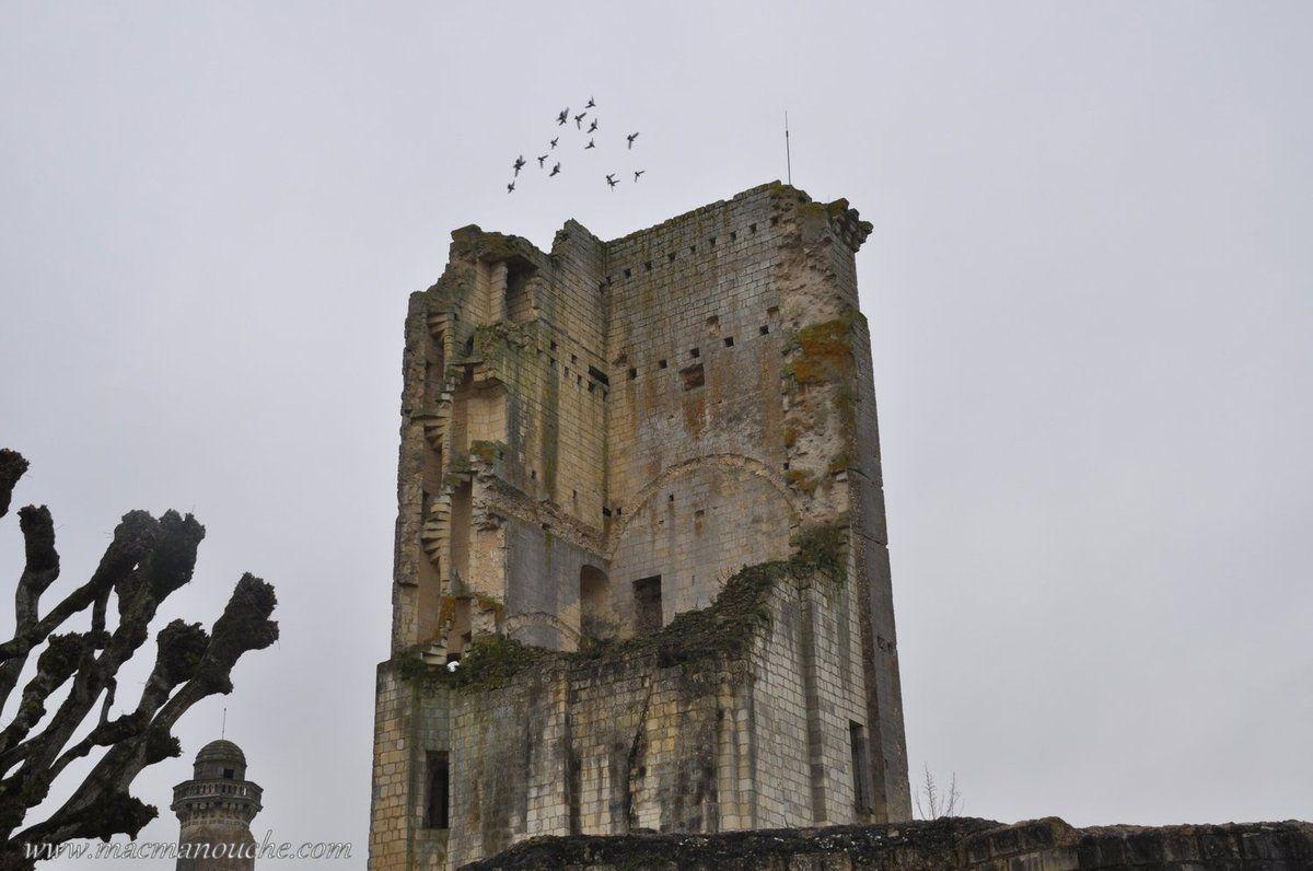 Ce beau donjon rectangulaire - du début du XIIe siècle à quatre étages voûtés - s'est retrouvé partiellement détruit en quelques minutes, un matin de février 1988.