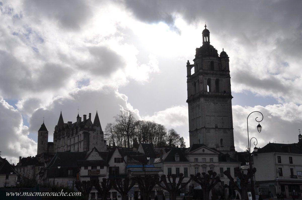 Pour aller de l'aire au centre ville, on ne peut pas ne pas voir la tour Saint-Antoine!