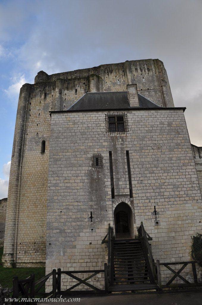 L'entrée du château était protégée par un pont-levis.