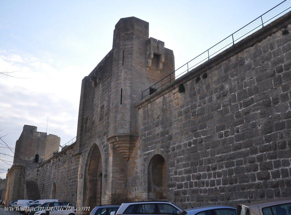 La Porte des Moulins nous mène à laporte des Galions, également nommée Porte de Pourtalet.
