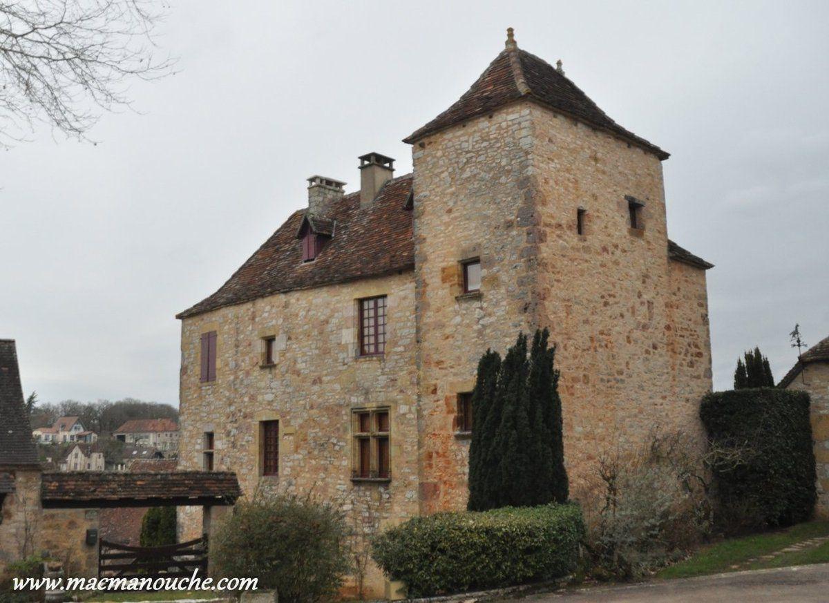 Maison renaissance face au château.