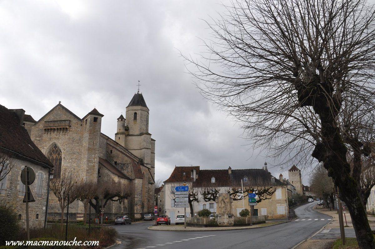 Et voilà l'église Saint-Maur ==>