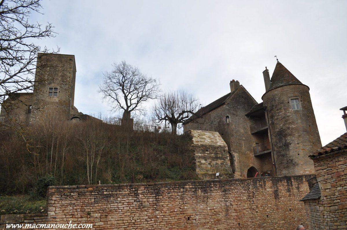 Le donjon et la tour Beaufort.