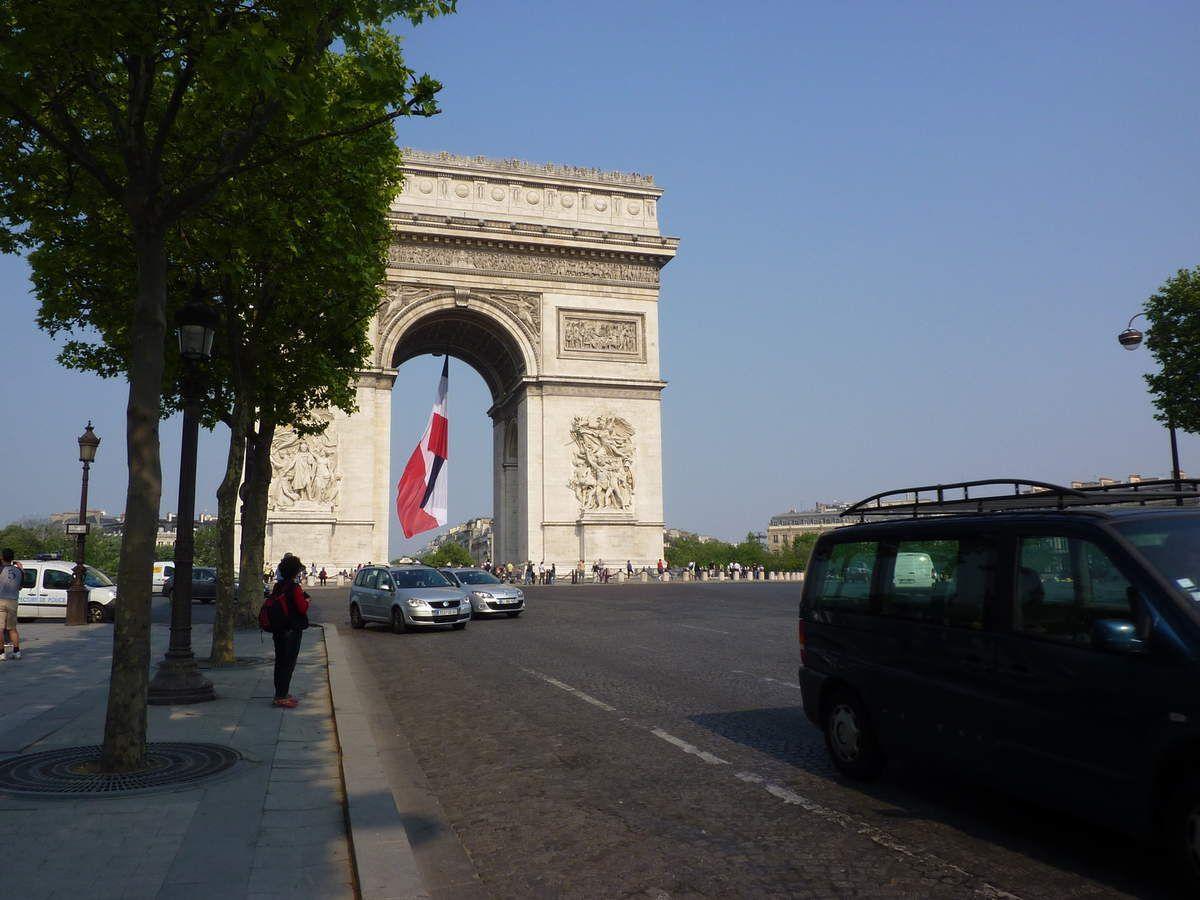 Promenade sur les Champs-Elysées dimanche 13 octobre