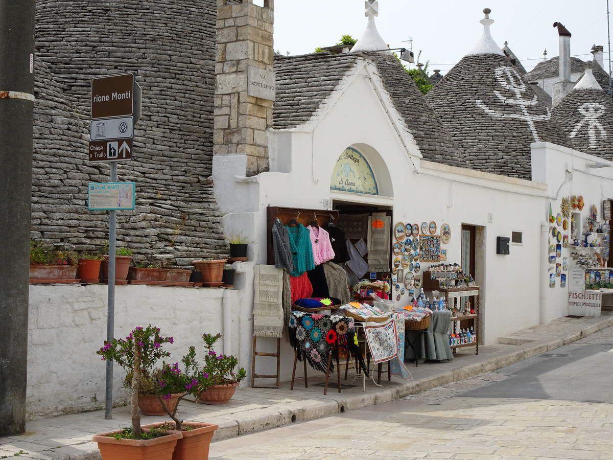 Alberobello :Trulli-Martina Franca-Monopoli