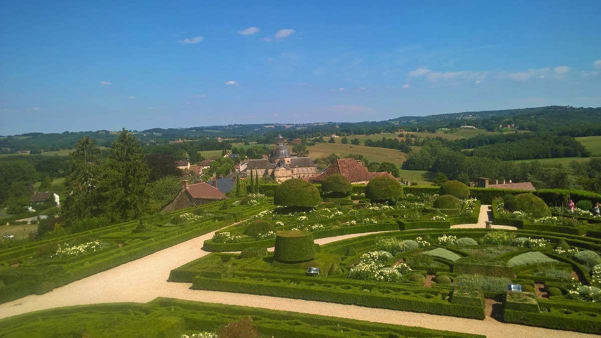 Les châteaux de Hautefort et Bridoire (Dordogne)