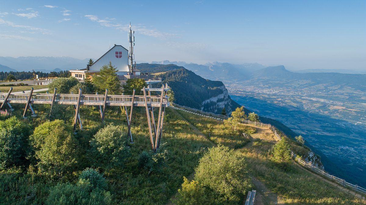 Aix les Bains : anciens palaces et le mont Revard