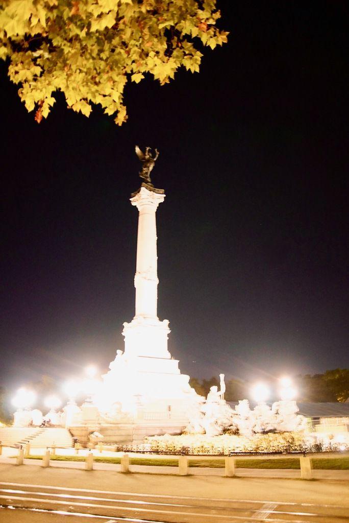 Bordeaux by night après le restaurant :-)