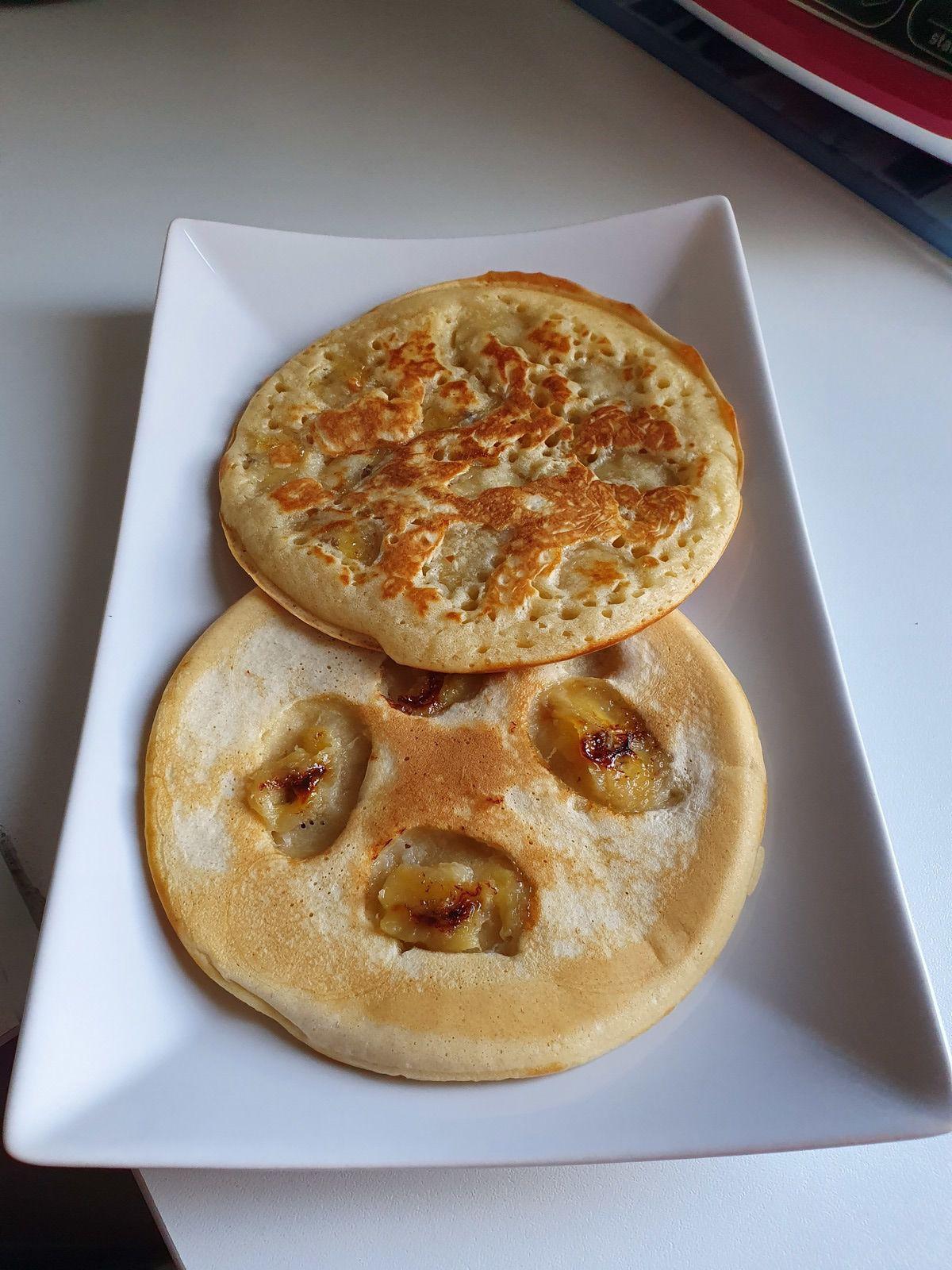 Avec ces quantités de pâte, j'ai pu faire 5 grands pancakes mais cela dépendra de la grandeur de votre petite poêle et de l'épaisseur. Conservez les pancakes recouvert de papier aluminium ou film plastique et dégustez plus tard froid ou tiédi.