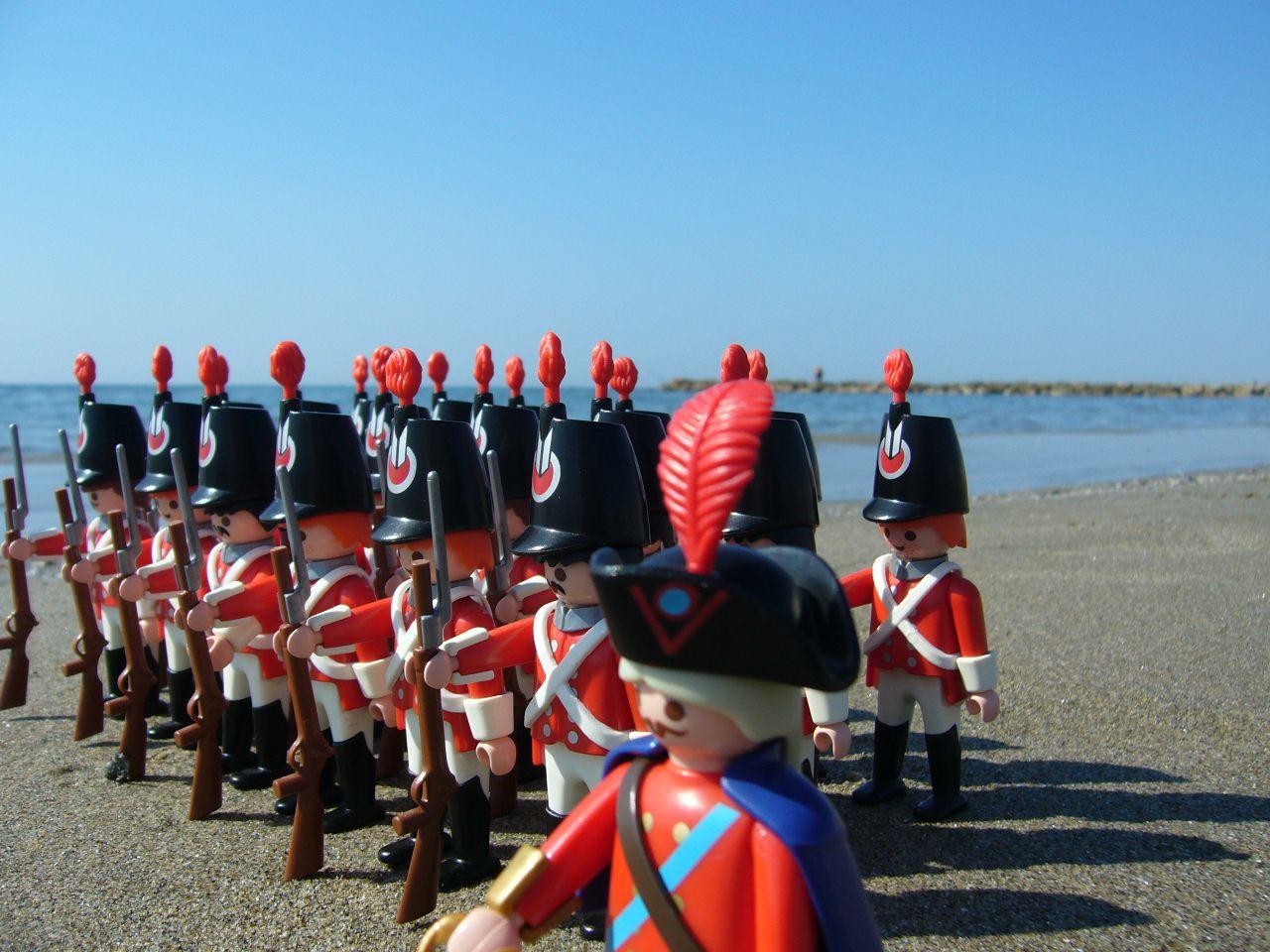 Red guards à la plage (aouh cha cha cha)!