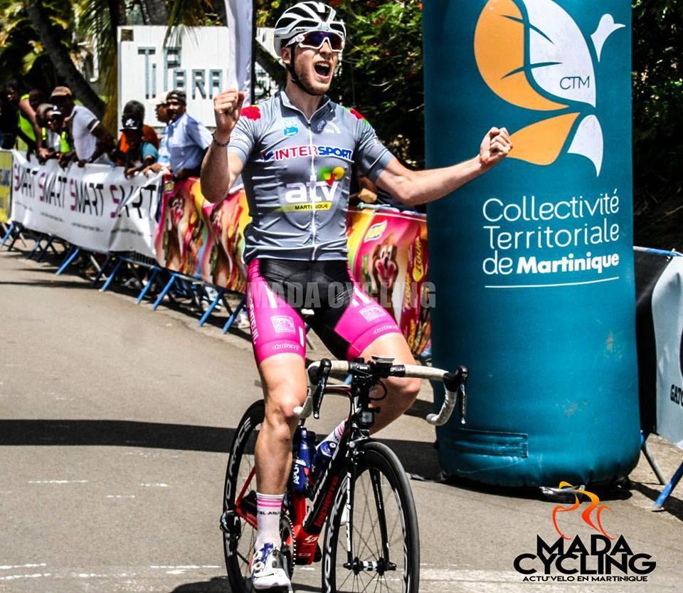 Louka PAGNIER AVS95 remporte le 1er tronçon (course en ligne) de la 3e étape du tour Cycliste Juniors de la Martinique (Photo Mada Cyclisme)