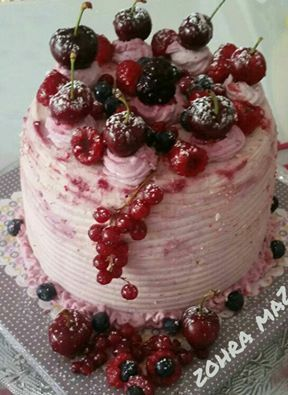 Layer red velvet cake aux fruits rouges