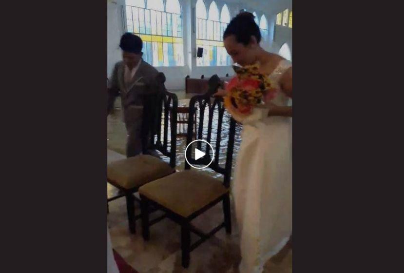 """Elle se marie dans une église inondée: """"Rien n'aurait pu m'arrêter"""""""