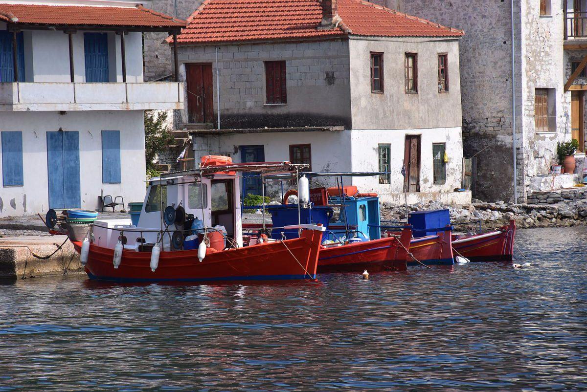 Le petit port de Agia Kiriaki