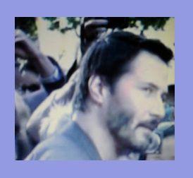 Nouvelle photo: Keanu Reeves fait un selfie avec une fan ;))