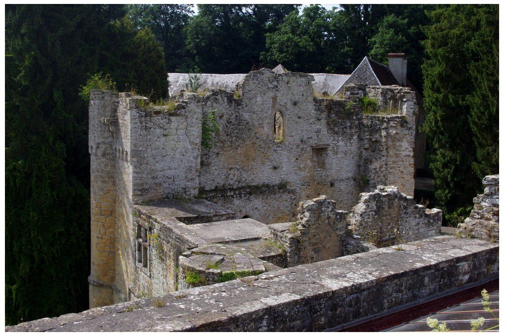 Luxembourg - Château de Beaufort