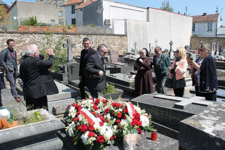 100 lecie smierci Bronisława Piłsidskiego - wizyta Ambasadora Polski we Francji na cmentarzu w Montmorency