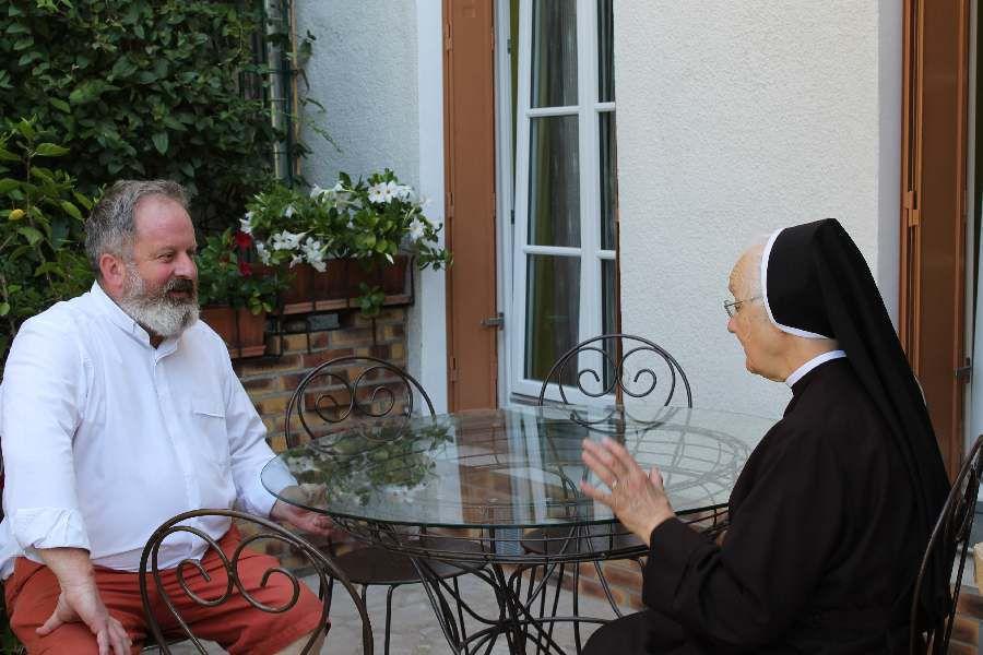 Pozegnanie - Au revoir à Père Hughes de la Villegeorges dans la Communauté de Soeurs Franciscaines Polonaises