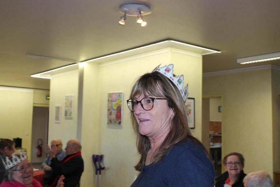 La galette à Héloïse des pensionnaires avec Madame le Maire et ses adjointes