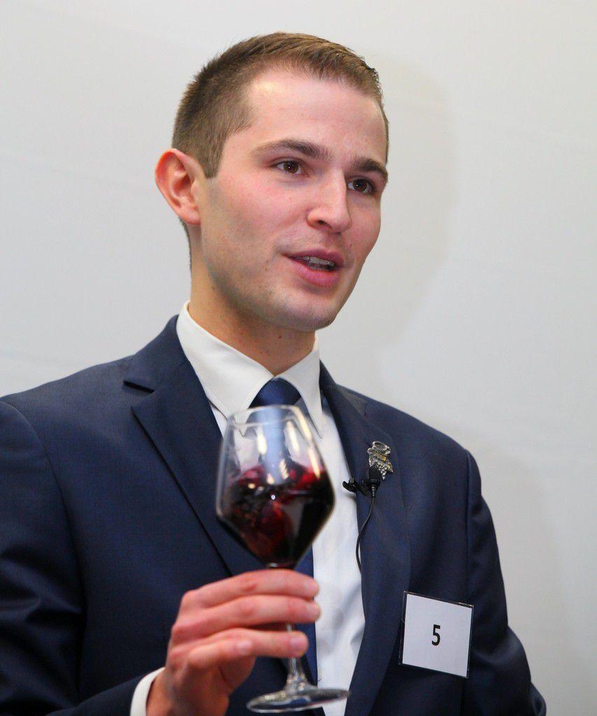 Edmond Gasser, lauréat du challenge international Sud de France de la sommellerie travaille en Suisse, à l'hôtel Beau Rivage de Genève. Photo Jean Bernard