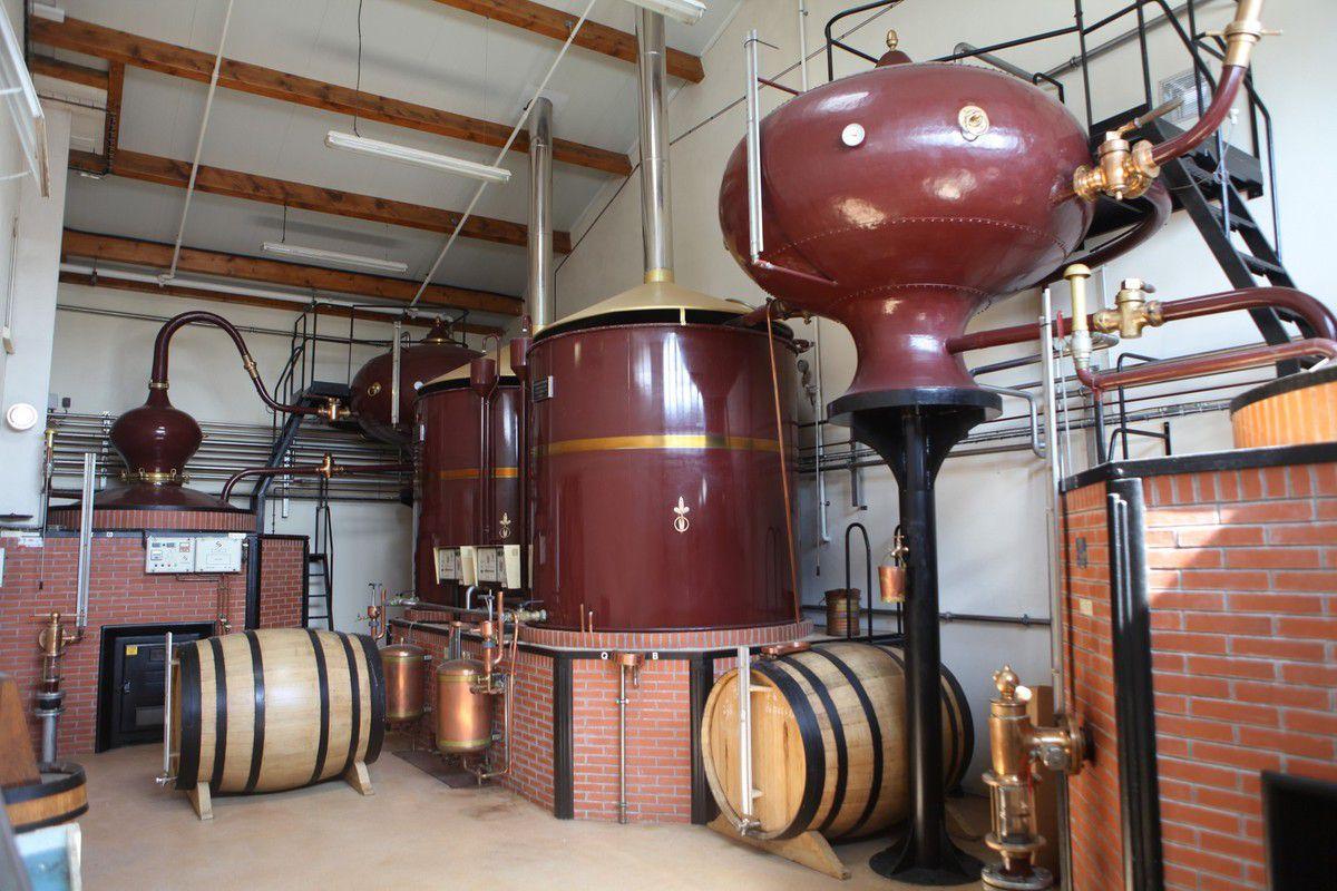 La distillerie où s'exprime le savoir-faire de cette maison productrice de cognac depuis 21 générations. (Photo JB)