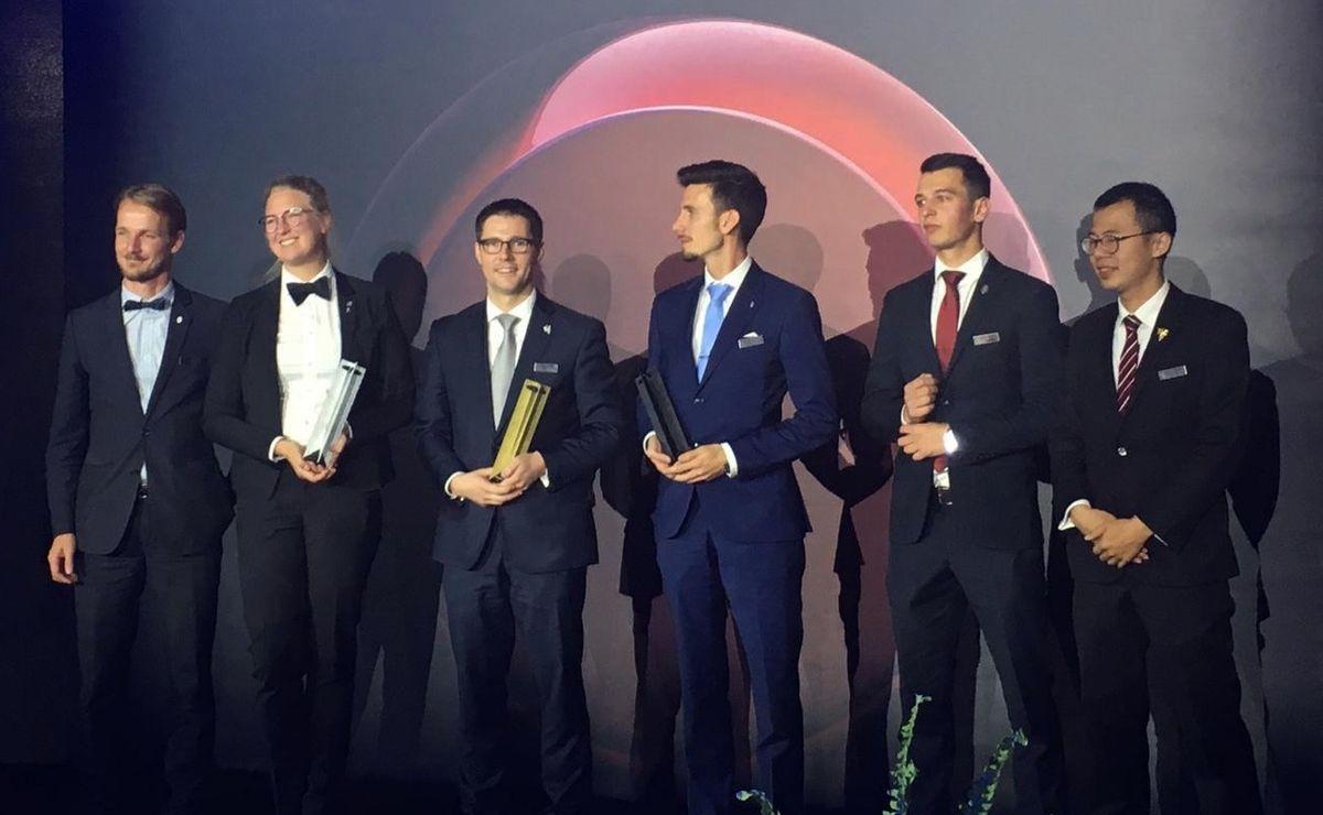 Les candidats réunis pour la remise des prix avant que Mikael Grou ne livre ses premières impressions. (Photos BR)