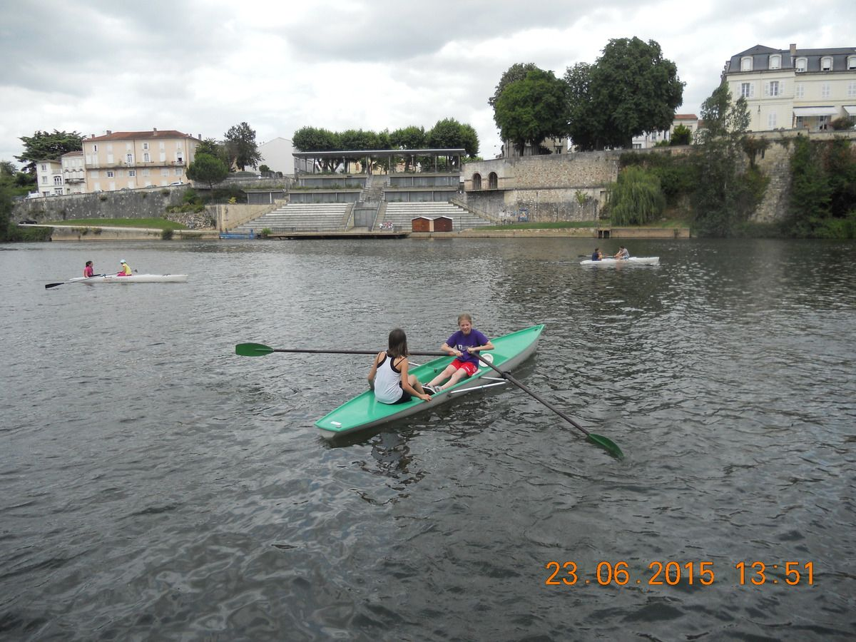Initiation à l'aviron pour 2 classes de 6ème à la base nautique de Villeneuve sur Lot