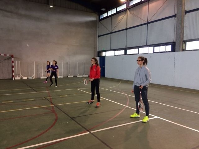 badminton à l'association sportive