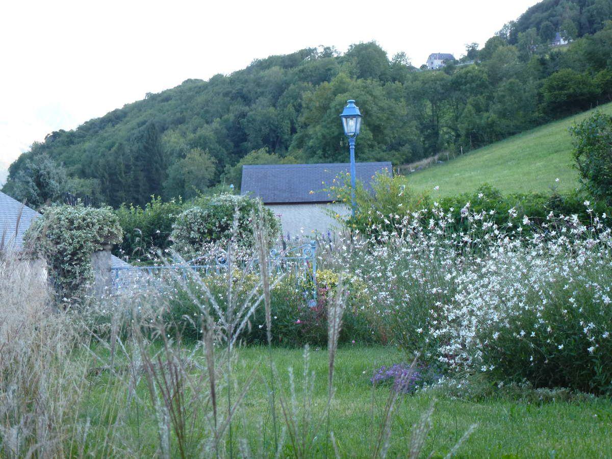 Sère en Lavedan et la petite maison en bois