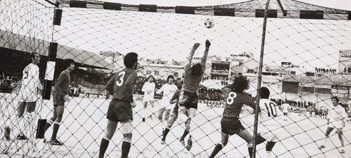 Una fase di Malta-Grecia del 1975 nello scenario lunare dello stadio di Gzira