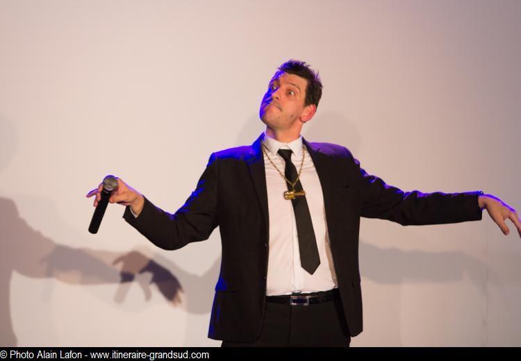 Photos extraites du spectacle de Benjy Dotti - The Comic Late Show - octobre 2018 au Théâtre Daudet