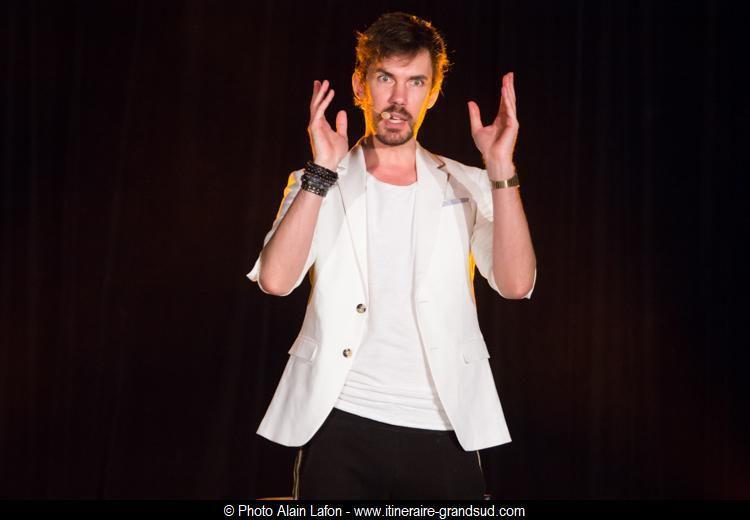 Arnaud Demanche – Blanc & hétéro