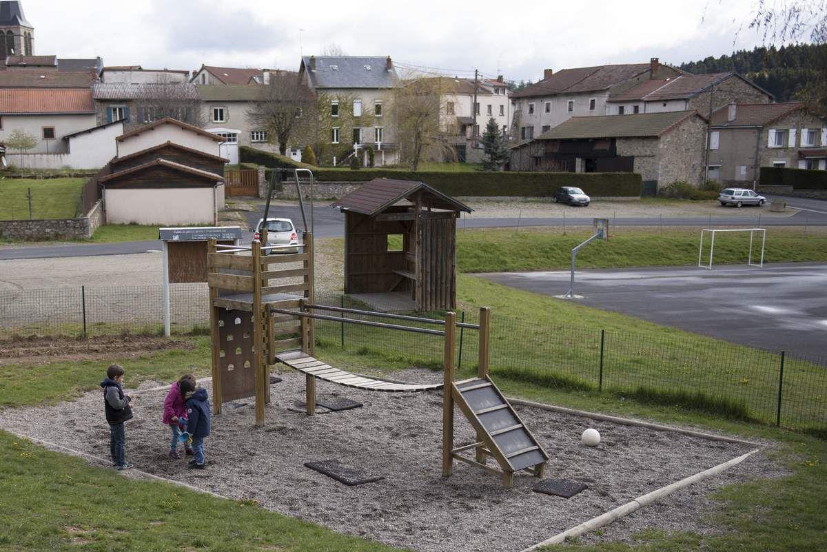 """""""Vues d'ailleurs"""" sur notre école : photographies d'Evelina Llewellyn (mai 2017)"""