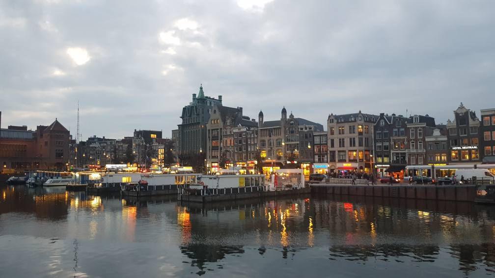 Course à pied dans la capitale du vélo : Le marathon d'Amsterdam 2019