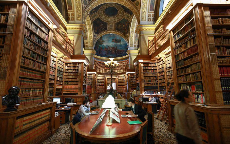 Une autre bibliothèque où l'intelligence de la langue coule des jours avec
