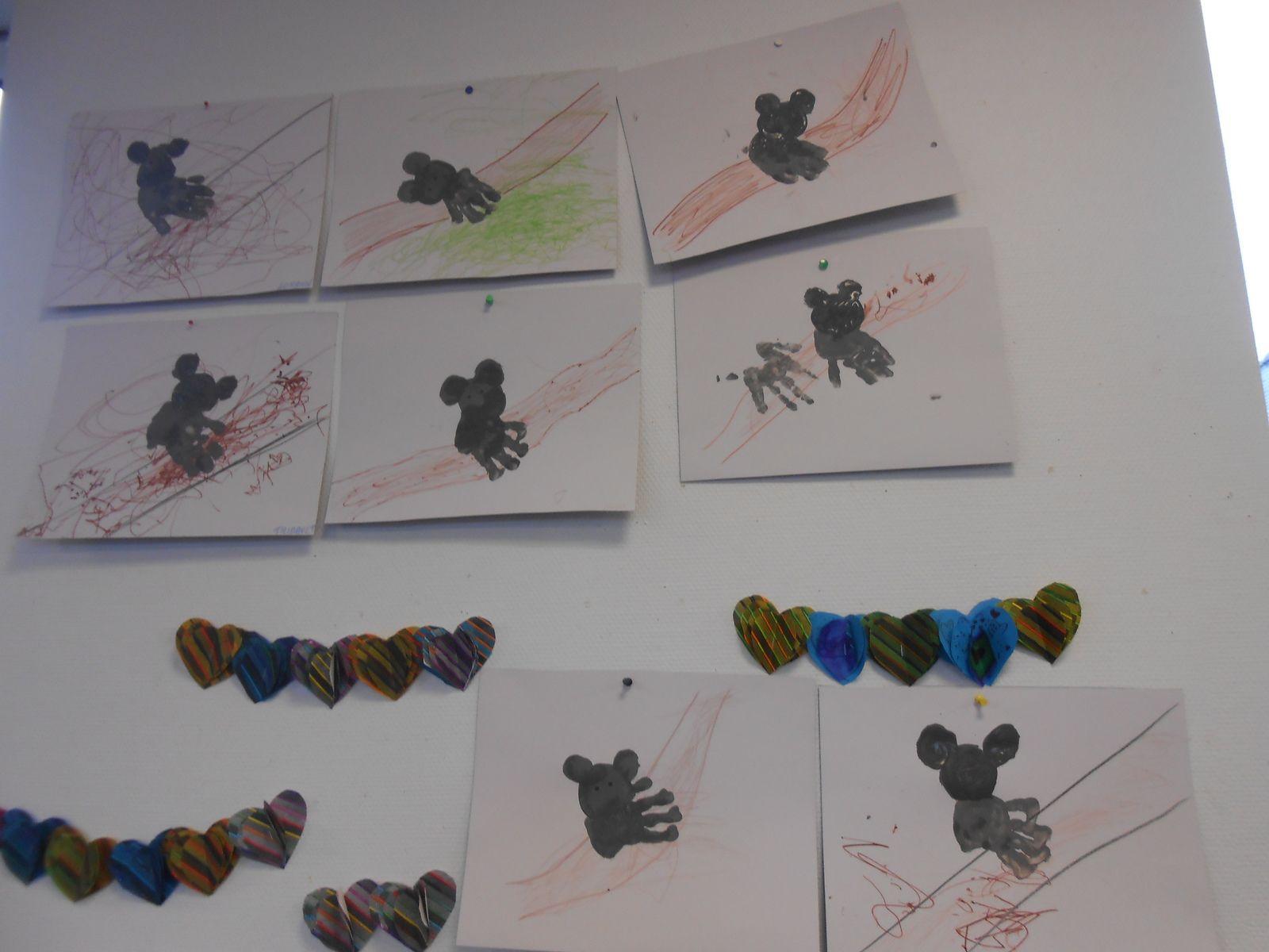 Coloriage et gommettes pour décorer le kangourou