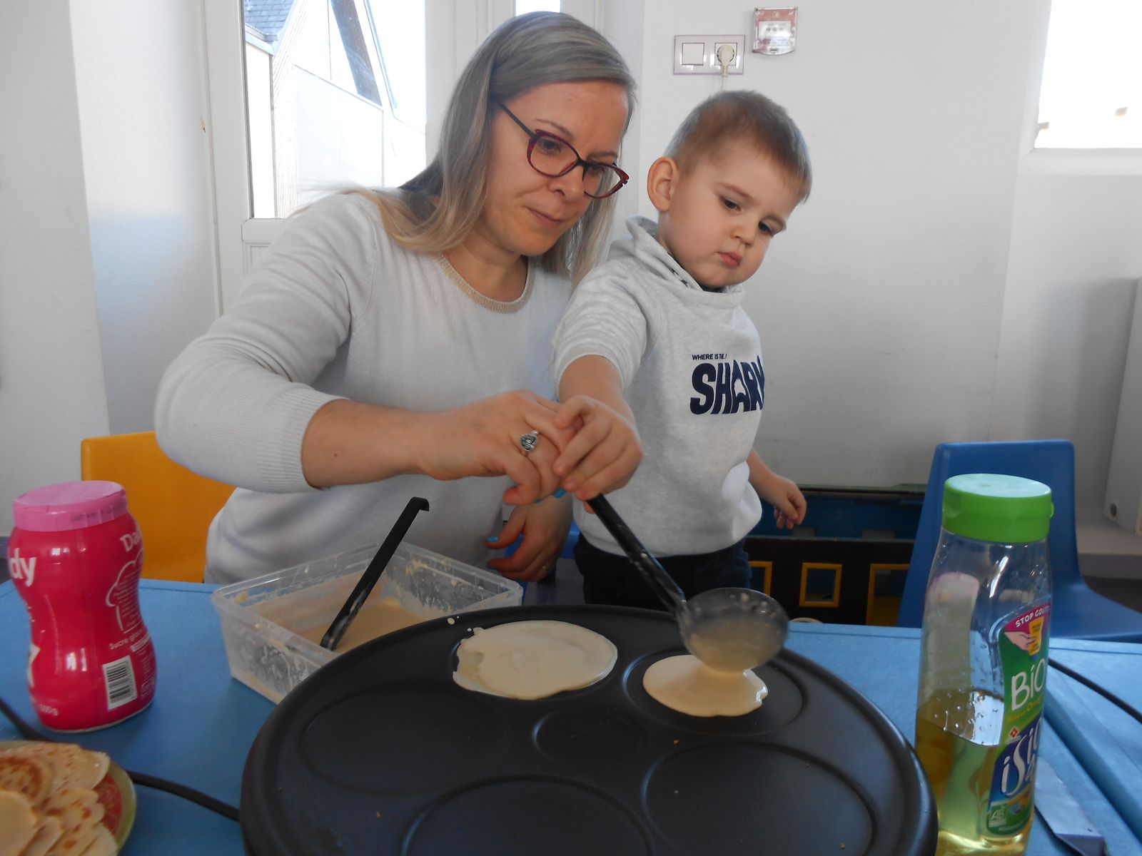 Préparation de la pâte à crêpes et réalisation...