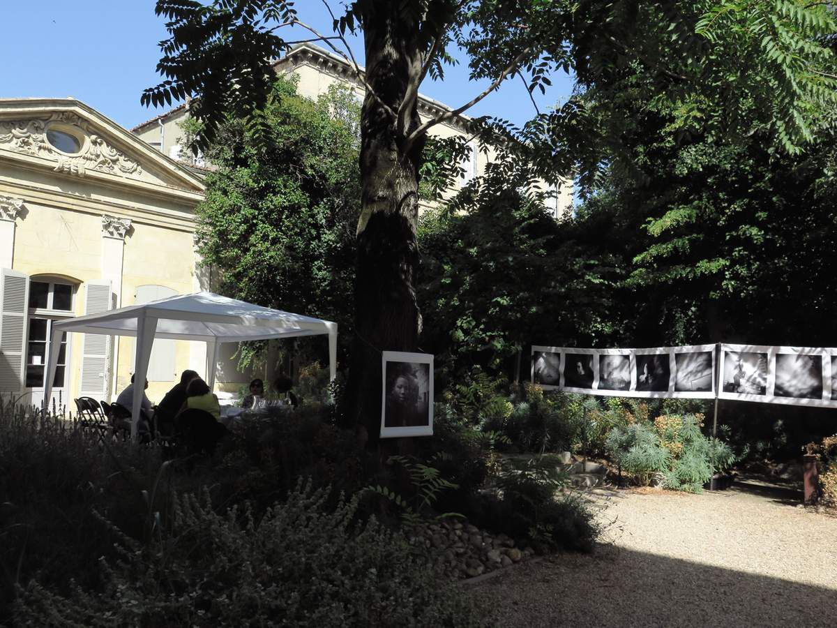 Merci à notre Ami Jean Pajot pour sa fidèle démarche envers les Rencontres d'Arles Annuelles et de nous les faire découvrir comme si nous y étions.