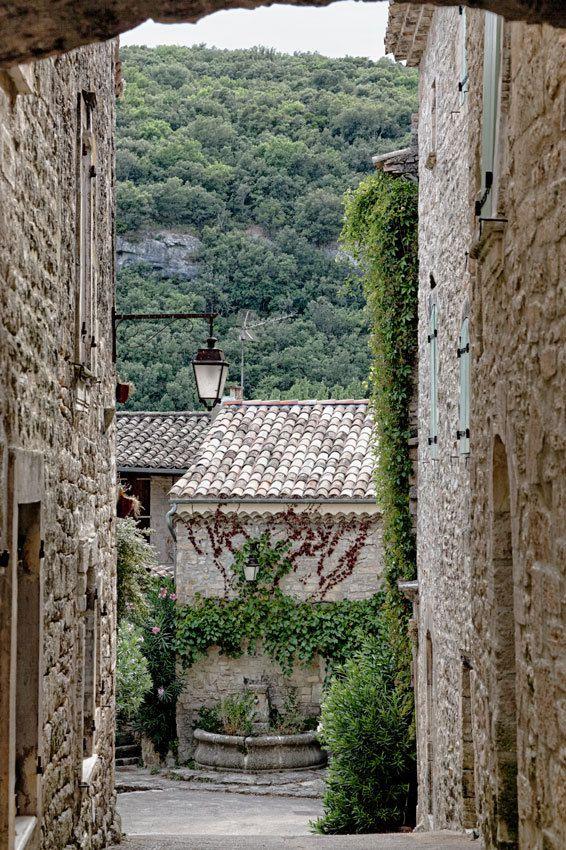 Le Gard : Montclus